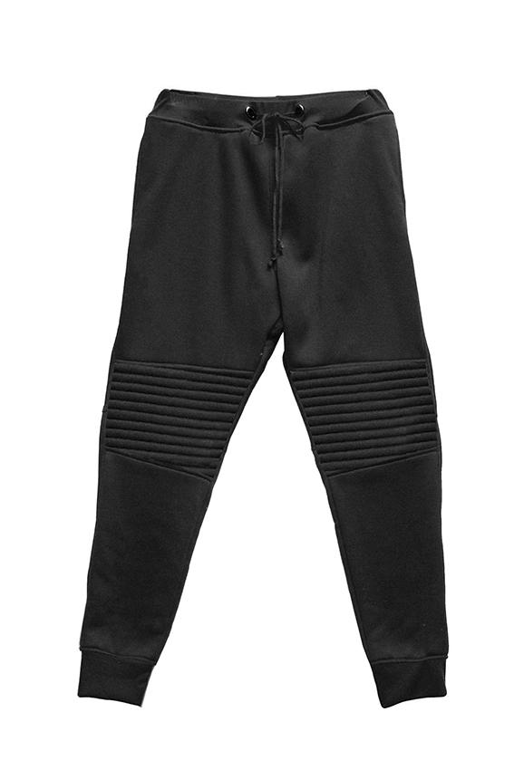 Black sweats2